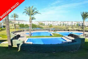 Hacienda Riquelme - bargain priced apartment