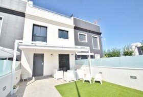 Pinar de Roda Golf three bed modern townhouse
