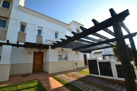Ref:LT169 Townhouse For Sale in La Torre Golf Resort