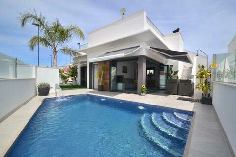 Ref:RG111 Villa For Sale in Roda Golf