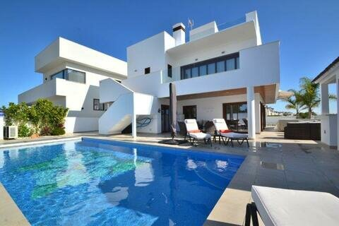 Ref:MM605 Villa For Sale in Mar Menor Golf Resort