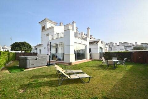 Ref:LT182 Townhouse For Sale in La Torre Golf Resort