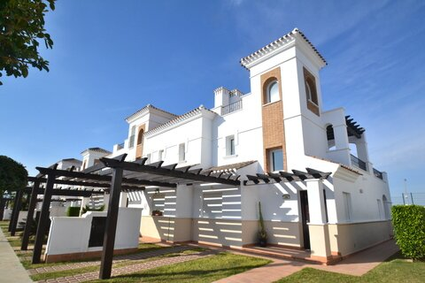 LT183: Townhouse in La Torre Golf Resort