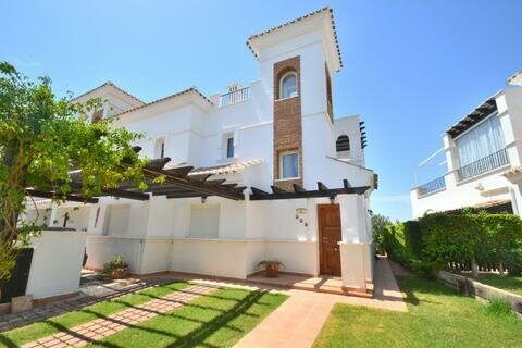 Ref:LT188 Townhouse For Sale in La Torre Golf Resort