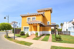 Mar Menor Golf - three bed villa with heated pool